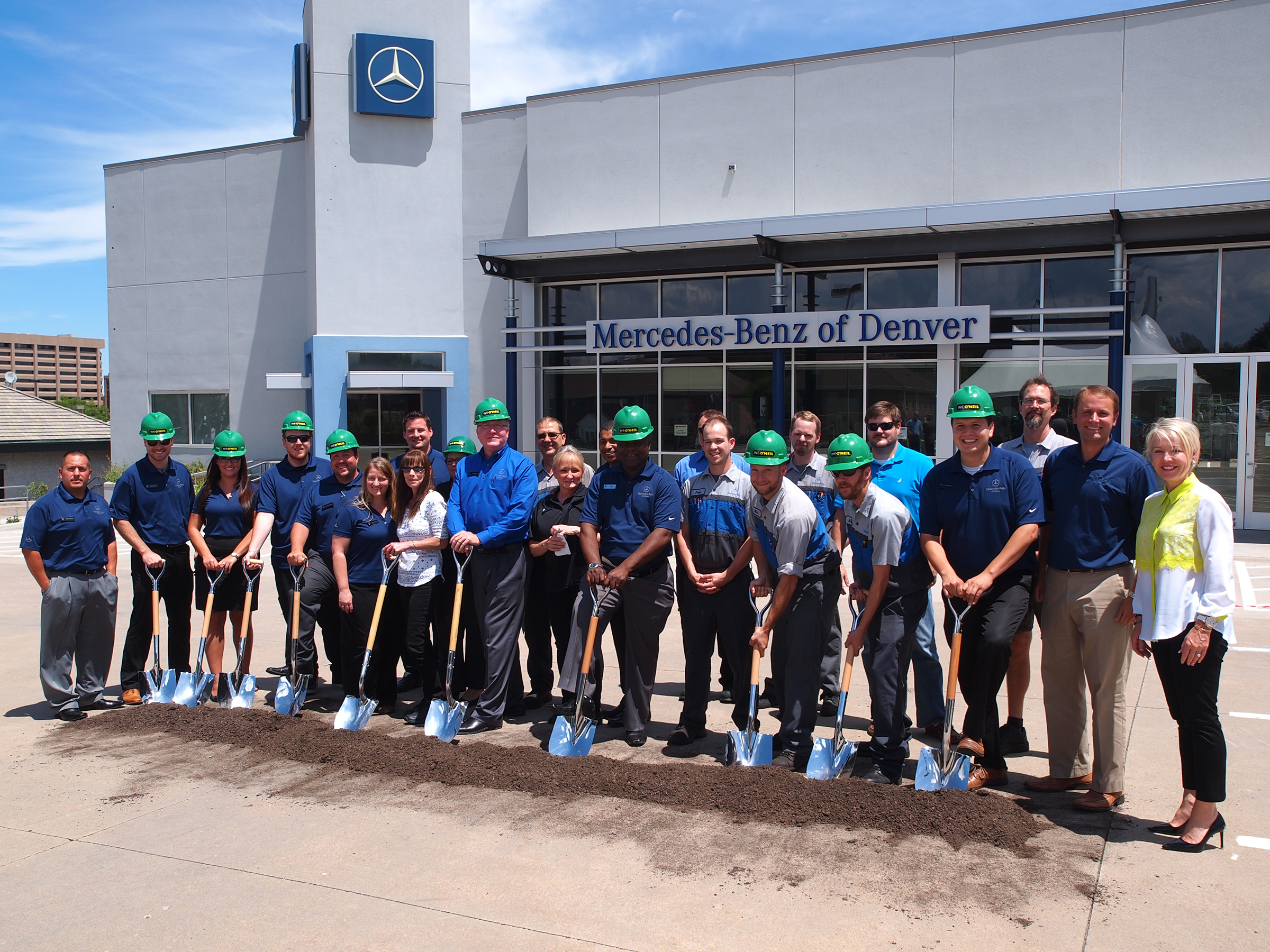 Mercedes Of Denver >> Sonic Automotive And W E O Neil Break Ground On Mercedes Benz Of